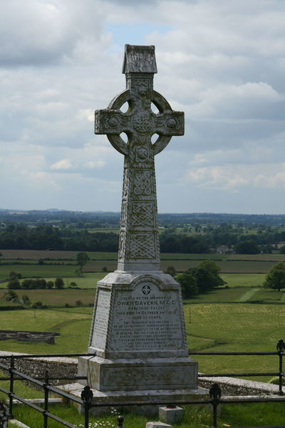 Cemetery Cross Day Grave Historical Building Ireland Irish Memorial Nature No People Outdoors Rock Of Cashel Sky Tomb Tombstone Travel