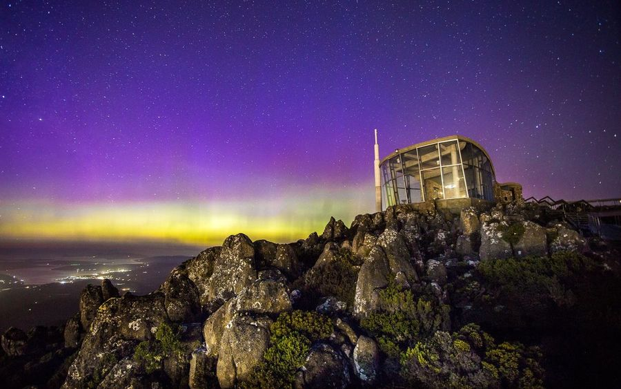 The Aurora Australis over the Mt. Wellington/Kunanyi pinnacle. Hobart, Tasmania Mountain Aurora Aurora Australis Tasmania Australia Australian Landscape Hobart