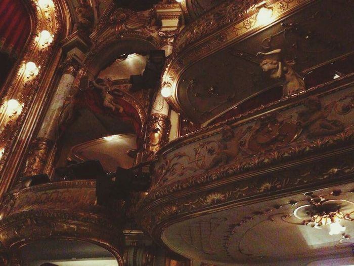 """Well, I was here for the first time. I am really impressed, this place is so beautiful and I highly recommend to you all to visit it. Here I was watching """"Romeo and Juliet"""", a ballet. Music, dancers, stage.. Perfect! Hnk Croatian National Theatre Zagreb Croatia Barocco Style Hrvatskonarodnokazalište Enjoying The Moment Interesting Lights And Shadows Decorations Theatreofdreams Eyem Architecture"""