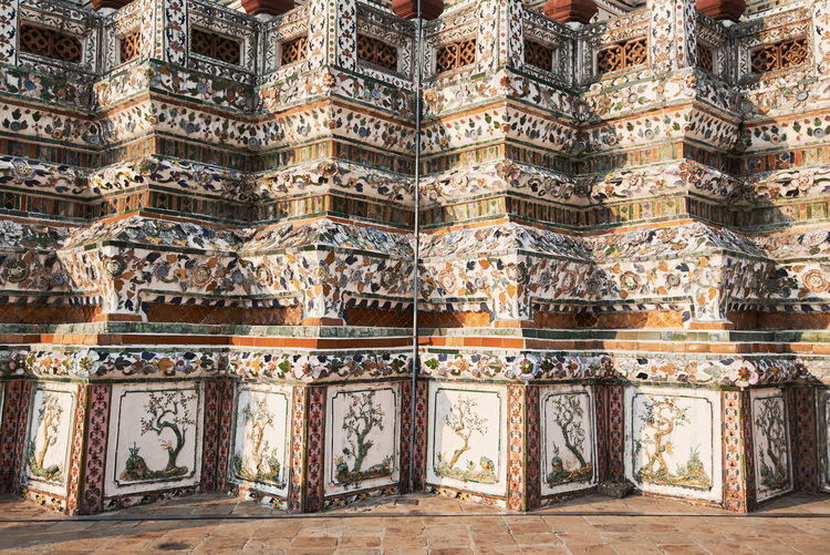 Wat Arun Temple Dawn Thailand Architecture Built Structure History The Past Building Exterior Art And Craft Travel Destinations No People Craft Building Religion Place Of Worship Belief Day Pattern Tourism Creativity Carving - Craft Product Outdoors Ornate