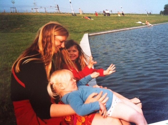 At the front: my mom and my little sister Loesje ! Behind its me! Cute Love My Mom Love My Little Sister