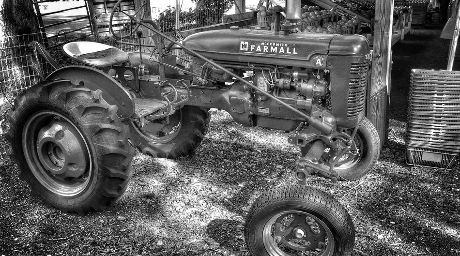 Vintage Tractors For My Friends That Connect Fortheloveofblackandwhite Bnw_friday_eyeemchallenge Streamzoofamily Monochrome EyeEm Best Shots - Black + White