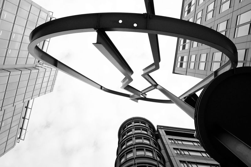 Architectural Feature Black And White Canon 700D Contrast Digital Photography Liverpool Street Low Angle View Perspective Pivotal Ideas Sculpture Skyscrapers The Architect - 2017 EyeEm Awards