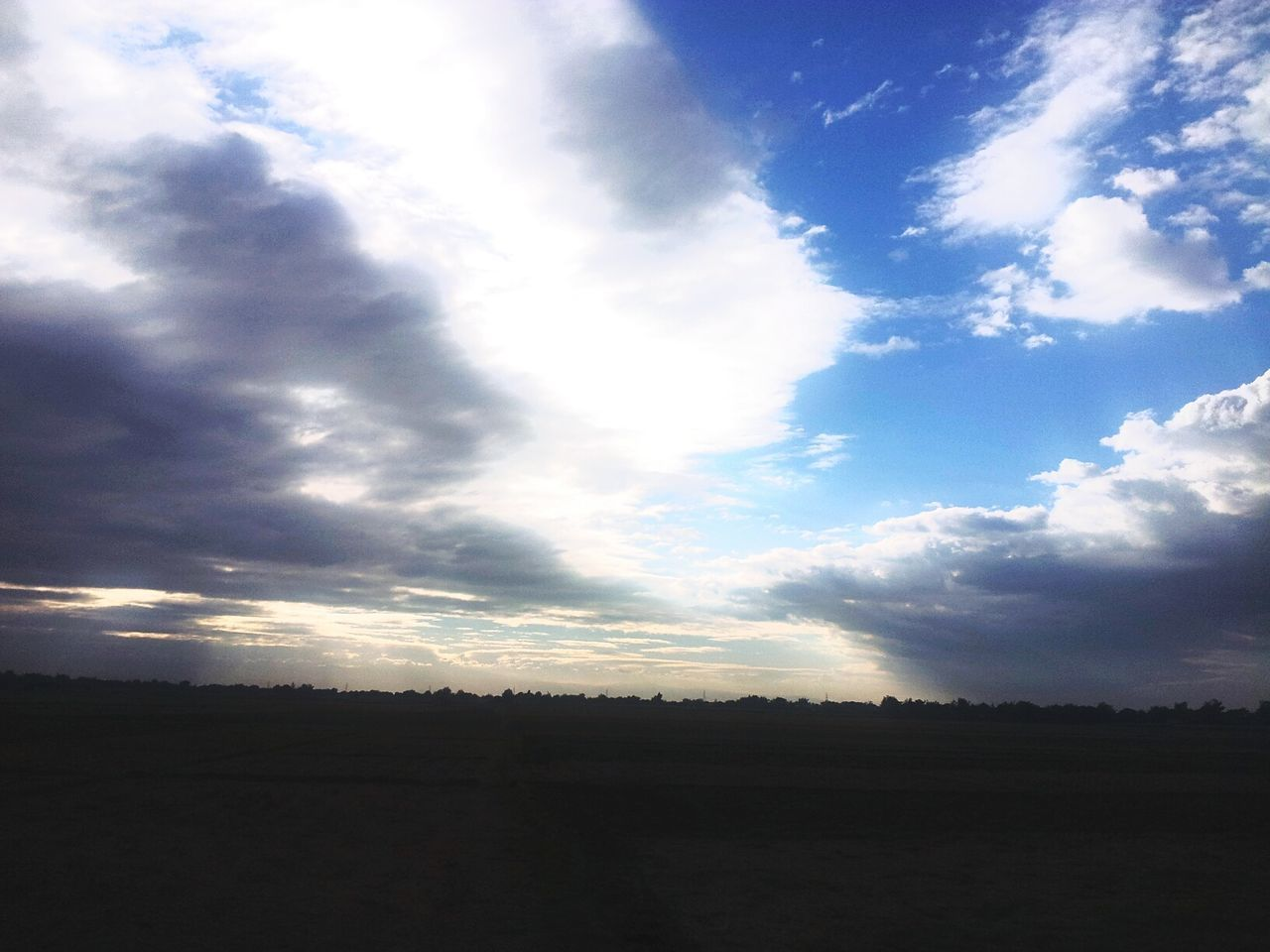 sky, cloud - sky, landscape, nature, tranquil scene, no people, tranquility, scenics, beauty in nature, silhouette, field, day, outdoors, tree