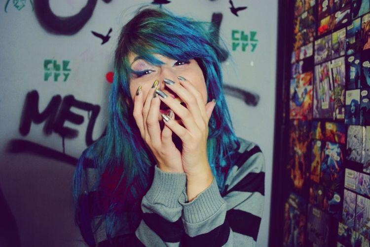 Seja feliz ! Happy Happy People Smile❤ Smile Girl Blue Hair ❤ Alternative Girls First Eyeem Photo