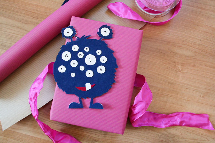 Bow Creativity DIY Do It Yourself For Kids Gift Gift Wrapping Handicraft Monster Pink Color Present Wrapping Wrapping Paper Wrapping Presents