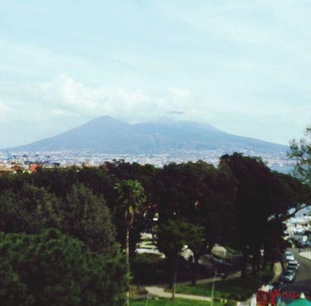 Vesuvio Napoli ❤ Nuvole Lungomare