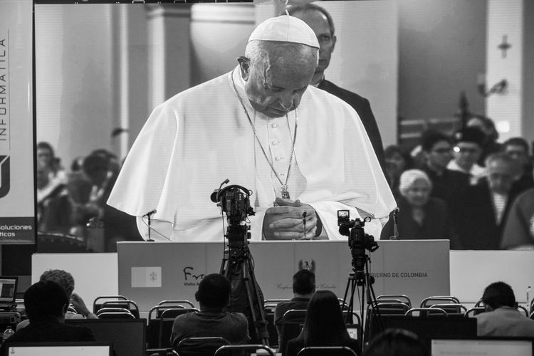 Bogota,colombia. Bogotá Colombia El Papa PAPA FRANCESCO Papa Francisco Pope Authority Crowd Day Education Indoors  Large Group Of People Learning Men Papa En Colombia People Politics Politics And Government Pope Francis  Professor Sitting Standing