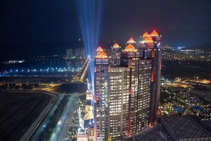 Batman, where are you? 蝙蝠侠,你在哪儿? Macao  Macau Studiocity Nightview CotaiStripMacau