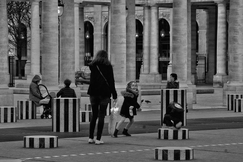 B&w Street Photography франция Париж Paris Paris, France  Showcase March The Changing City EyeEm Gallery EyeEm Best Shots Capture The Moment EyeEmBestPics I Love My City France EyeEm B&w Photography