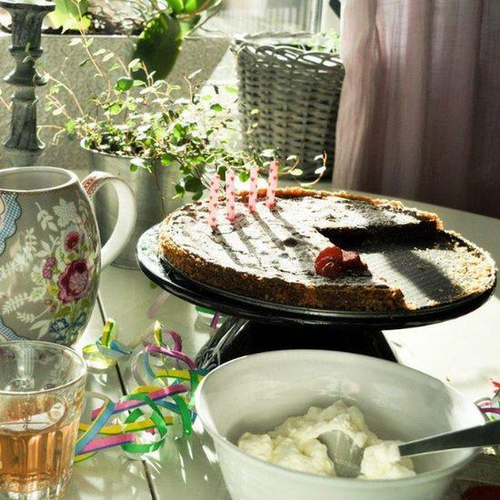 Godmorgon till ytterligare en kalasdag :-) Statigram Kalas Kaká Fika instagram saft