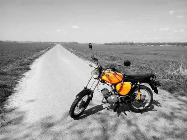 Simson S51 Simson Outdoors Moped Oldtimer Nature Blackandwhite Mokick DDR DDR Time Orange Oldtimer Love Oldtimer Ride