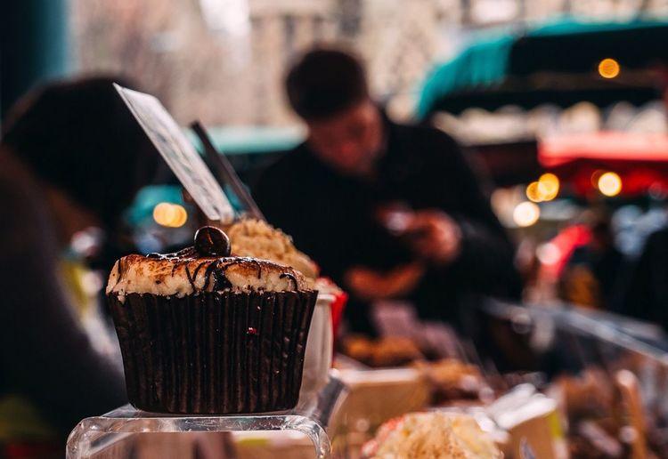 Cupcake at a cafe