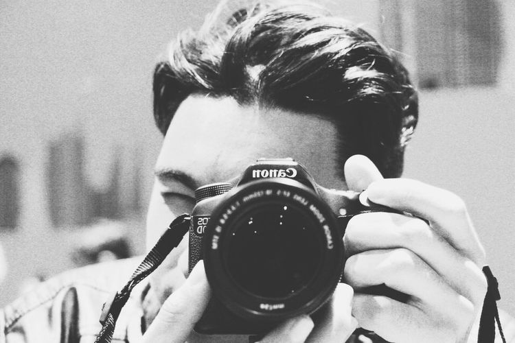 Photography Themes Camera - Photographic Equipment Headshot Photographing One Person Photographer Technology Digital Camera Close-up Holding Real People Lifestyles Young Adult Camera Front View Portrait Throughmyeyes Canonphotography Explore EyeEm Ready