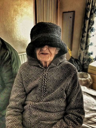 Not My Pic My Edit✨✌ My Mum ♥  Mother Mature Adult Senior Adult Just For Fun😊 Laughs Old But Awesome Hat Hat Size To Big To Fit In The Frame Great Grandmother 83 83yrs Young At Heart Cancer Survivor Shine Bright Like A Diamond  Popular Photos People Photography Uniqueness Break The Mold BYOPaper! EyeEmNewHere This Is Aging