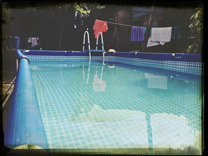 Day Pool Hello World
