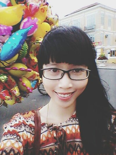 Smileeee XD I will always love... me, hehe XD Smile Vietnamese Vietnamesegirl Sunset Balloons City Center River Bank  Hanging Out Selfie ILoveMyself