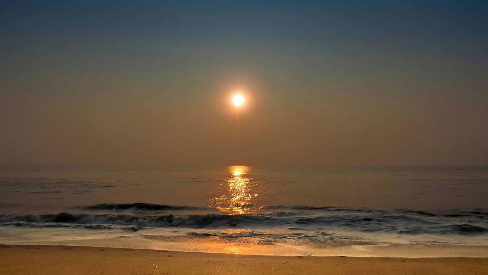 Beachphotography Beach Sunrise Waves India Chennai Sky Sand On The Beach Sunshine
