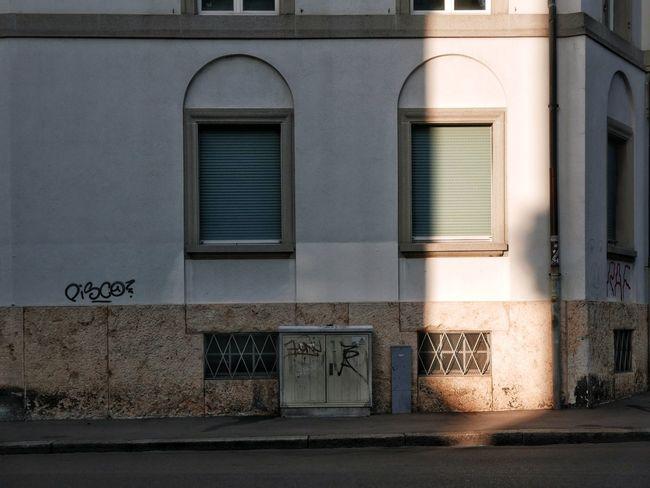 Architecture Basel, Switzerland Flaneur Kleinstadt Shadows & Lights Switzerland🇨🇭 Bikes Fassadengestaltung Kleinstadtgefühle Oldtown Parkedbikesoftheworld Shadow Soloparking Switzerland❤️ Urbanphotography Urbanromantic Urbanromantix Windowporn
