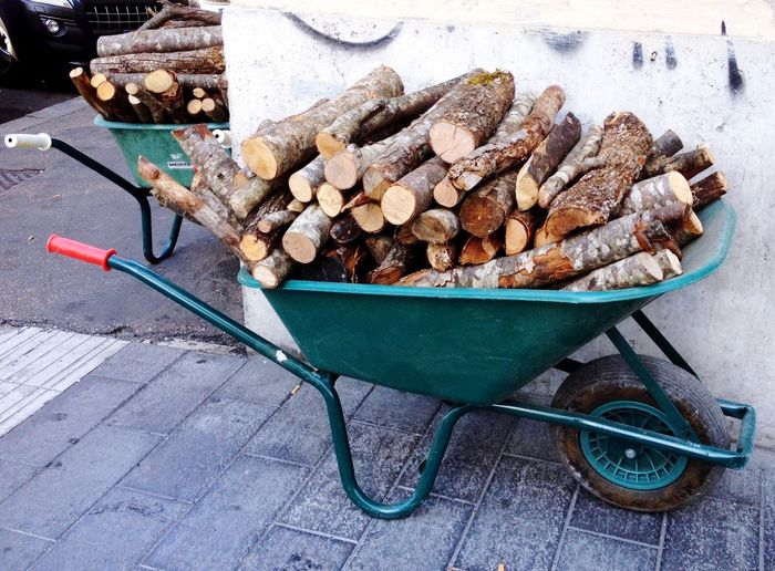 Wood for a pizzeria
