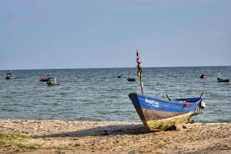Beach Sea Tranquility Horizon Over Water Nautical Vessel Water Tranquil Scene Outdoors Scenics Clear Sky Transportation Sky Sand Flag Nature No People Day Landscape Beauty In Nature Beauty In Nature Travel Thailand Thailand Photos EyeEm Thailand