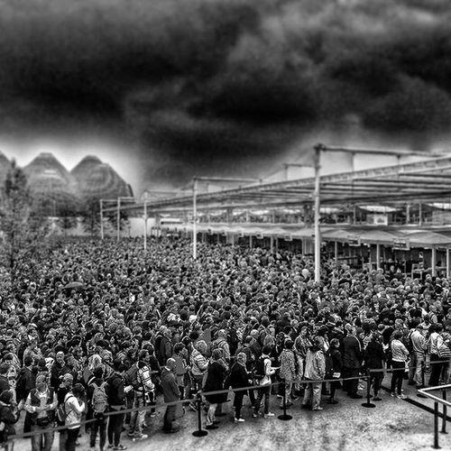 EXPO 2015 - Milan Affluence à l'ouverture de l'expo 🚦 Nikonfr Nikon Street Urban Photography Expomilano2015 Milano People Igersitalia Igersitaly Expo2015 Food Ig_worldclub Ig_europe Ig_great_pics IGDaily Igersoftheday Igaddict Black All_bnwshots Bnw_captures Bnw_demand Bnw_life Blackandwhite Bnw_fanatics bnw_society