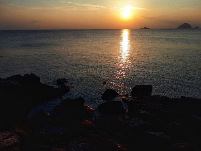 Sunset Sea Sky Beach Horizon Over Water Sun Orange Color Vacations Silhouette