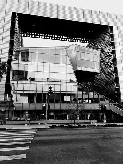 One of the most bizarre buildings I've seen recently....looks like they couldn't agree on a concept and just threw everyone's desires into the design. No People Outdoors Day City Modern Building Exterior Built Structure Architecture Emerson College Hollywood Sunset Blvd The Graphic City