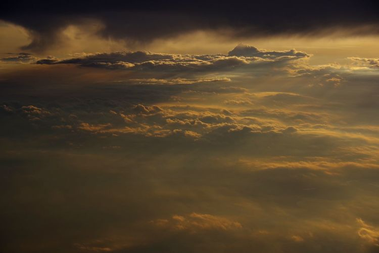 dramatic Shadows Airplane Cloud Rays Of Light View View From An Airplane Majestic Dramatic Sky Cloud Cloud - Sky Clouds And Sky Sunset Thunderstorm Gold Colored Fog Horizon Storm Cloud Weather Dramatic Sky Sky Sky Only Fluffy Lightning Cloudscape Heaven Atmospheric Mood The Great Outdoors - 2018 EyeEm Awards The Traveler - 2018 EyeEm Awards