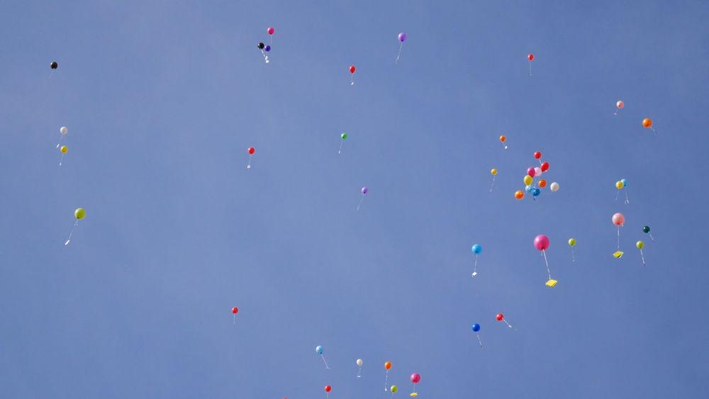 Ballons Ballons In The Sky Balon Baloons Sky And Clouds Ballon Balloon Ballooning Festival Balloons