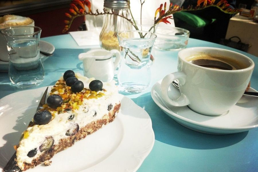 Streetphotography Street Photography Streetphoto_color Cafe Cake Coffee Sun Food