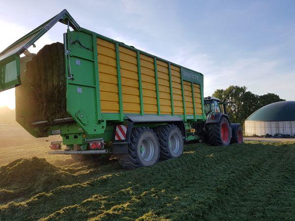 Fendt820 Joskin Joskin20/40 Silage Outdoors Mode Of Transport Day Farm Farm Life 2k17 Nice Day Summer Sun