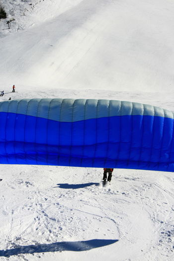 Activity Air Color Deepblue Heaven Minimalism Paragliding Screen Snow Sport Uptothesky White Winter Wintersport Live For The Story The Great Outdoors - 2017 EyeEm Awards Been There. Done That. Be. Ready. EyeEm Ready   Shades Of Winter