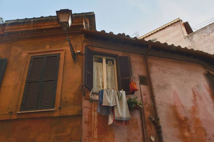 Clothes Clothesline Hanging City Village Neighbourhood Italian Rome Trastevere Colors Colorful House Household Living Travel Travel Destinations Streetphotography Street Europe Colourful Street Photography Citytrip