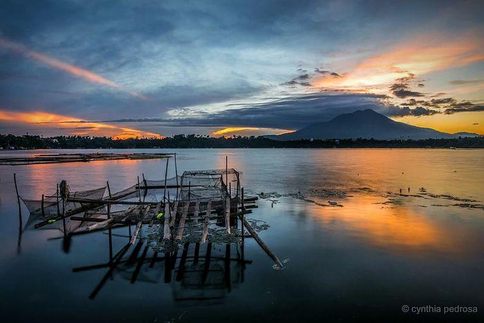 Sunrise at Sampaloc Lake from yesterday :) Laguna San Pablo More Fun In The Philippines  EyeEm Best Shots EyeEmBestPics Sunrise Landscape Landscape_photography Philippines