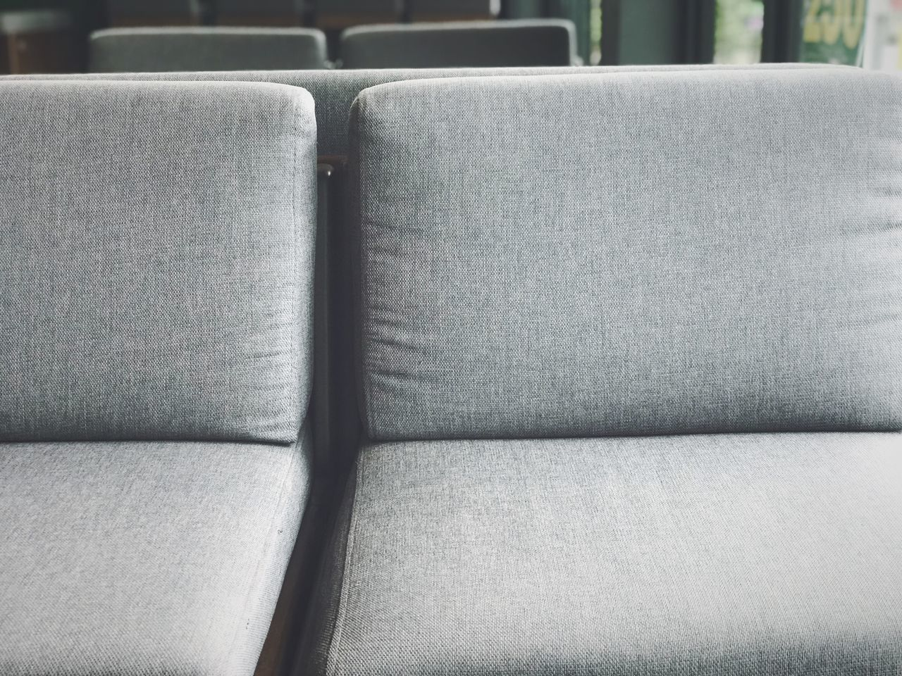 HIGH ANGLE VIEW OF EMPTY SEATS IN SOFA
