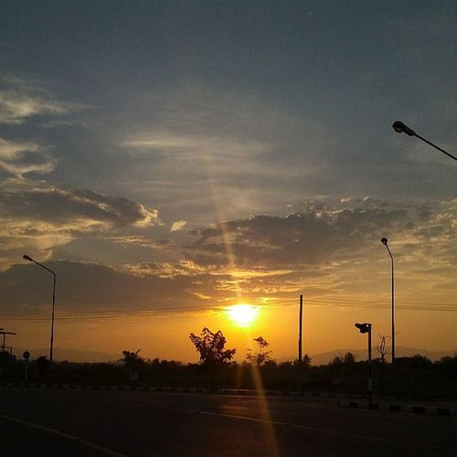 Sunset Chiangrai สวยจัง ไม่ได้เห็นนานละ ☀☁?