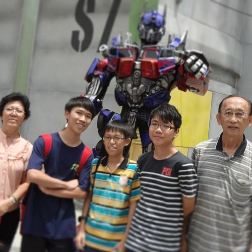 We are electric!>< Lucky Optimus Prime Missed bumblebee cousin family excited