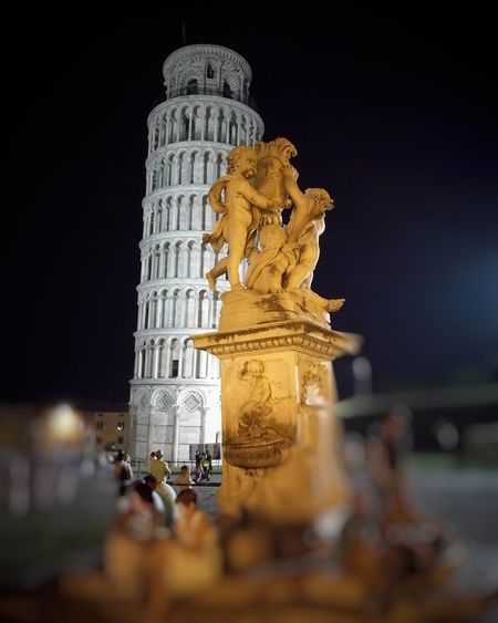 Holiday Tuscany Pisa Tower Pisatower Architecture Nightinpisa TorrePendente Monument History Tourist Beautifulitaly Quattropassiincentro