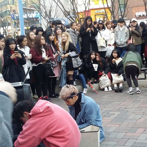 Large Group Of People Outdoors Audience Streetphotography Seoul_streetphotography Kr_streetphotography Korean Youth Streetperformance Performance City Life K Culture Hongdae Seoul Southkorea Seoulspring2017