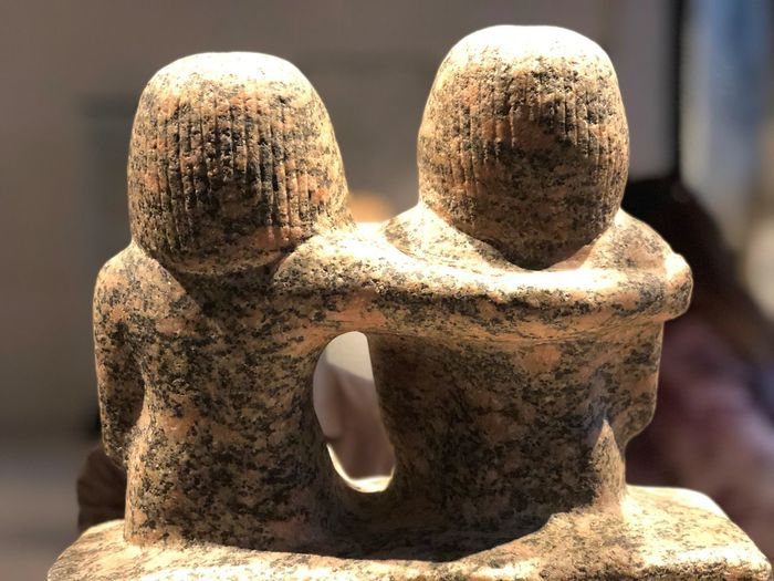 Love Hug Umarmung Art And Craft Creativity Human Representation Monument Representation Sculpture Statue Still Life Stone - Object Stone Material This Is Family étreinte