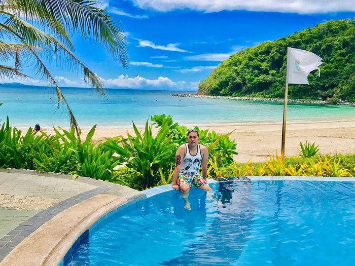 Pool VS beach