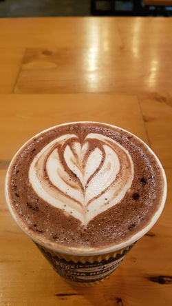 Froth Art Frothy Drink Cappuccino Latte Drink Love Coffee - Drink Coffee Cup Heart Shape Table Mocha Caffeine Espresso Hot Drink Hot Chocolate
