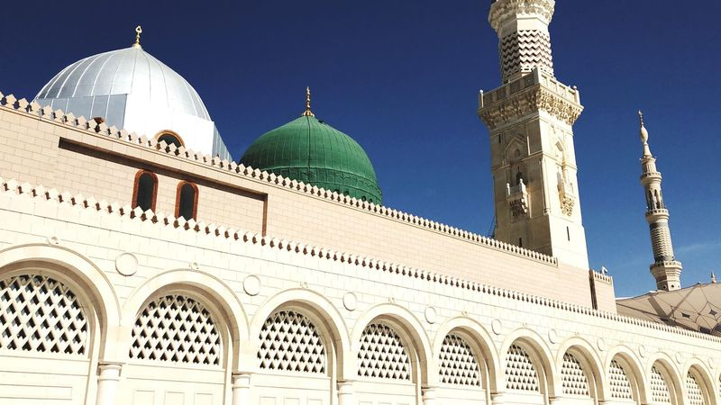 Prophets Mosque Silver Dome Blue Sky Mineret Green Dome Mosque Mosque Architecture EyeEm Selects Dome Religion Architecture Arch Place Of Worship Spirituality Low Angle View Travel Destinations Built Structure Clear Sky No People Sky Day