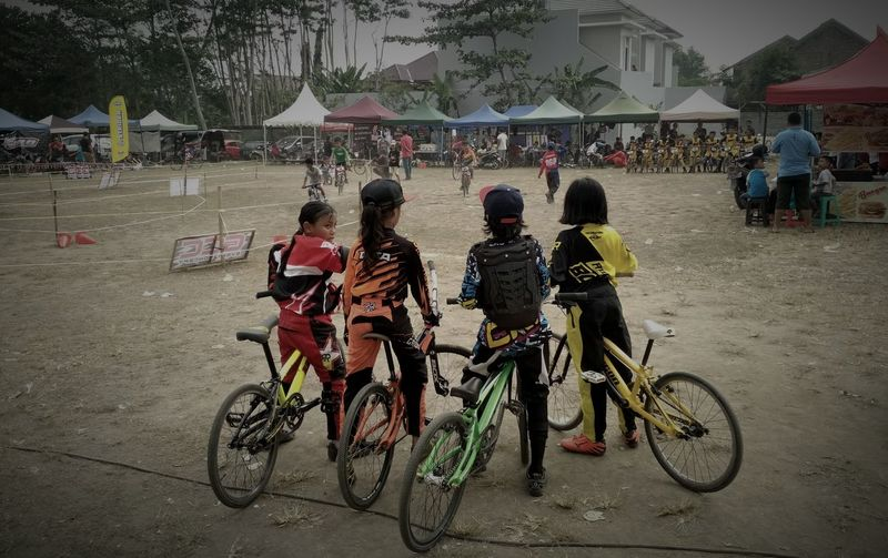 riders Real People Large Group Of People Mode Of Transport Bicycle Lifestyles Sports Race Bmx Race Bmxporn Bmx Racing Bmxphotography Bmx Cycling EyeEmNewHere Day Outdoors Child