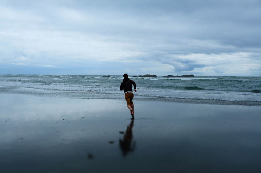 Out Of The Box Live For The Story Running Barefoot Running Barefoot At The Beach Pacific Northwest  Washington Coast Beach Beach Photography Beachphotography Kalaloch Beach Olympic National Park Barefoot Cloudy Mist Sandy Beach Sand Washington Kalaloch Run Free