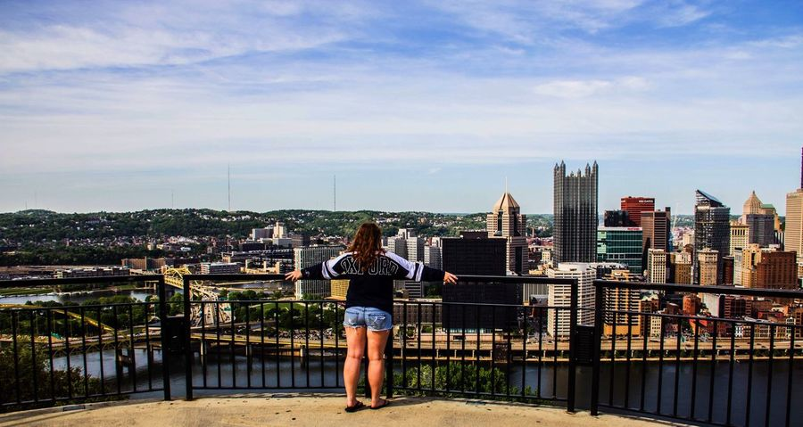 This view 😍 Pittsburgh Mountwashington This View View Views Overlooking Overlook Selfie ✌ Check This Out That's Me Hanging Out Enjoying Life Hi! City Cityscapes City Life Favorite