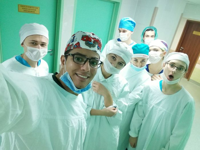 EyeEm Selects Small Group Of People Working Doctor  Standing Surgical Mask Surgical Cap Teamwork Healthcare And Medicine Hospital Minsk,Belarus HuaweiP9plus Nurse Mature Adult Operating Room Group Of People Indoors  Adult Coworker Occupation Togetherness People Cooperation