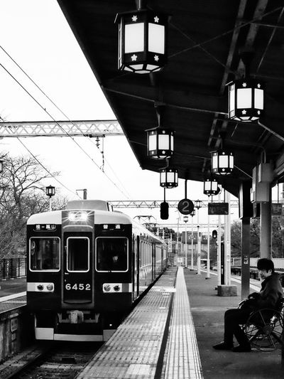 Train is coming in Arashimaya train station. Arashimaya, Kyoto, Japan. Japan Kyoto Arashimaya Train Station Train Street Photography X100t X100gang Fujifeed Fujifilm_xseries Fujifilm Black And White (null) Monochrome Photography Let's Go. Together.