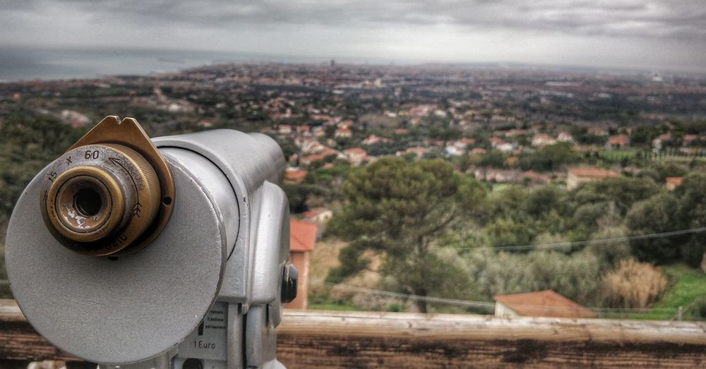 EyeEm Selects History No People Day Coin-operated Binoculars Focus On Foreground Architecture Outdoors